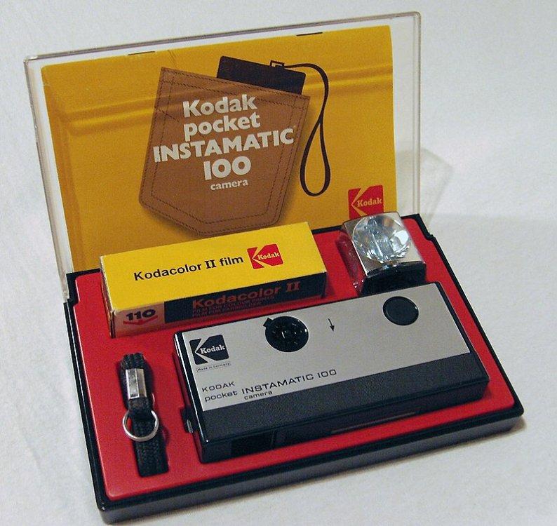 800px-Kodak_pocket_instamatic_100_(1972).jpg
